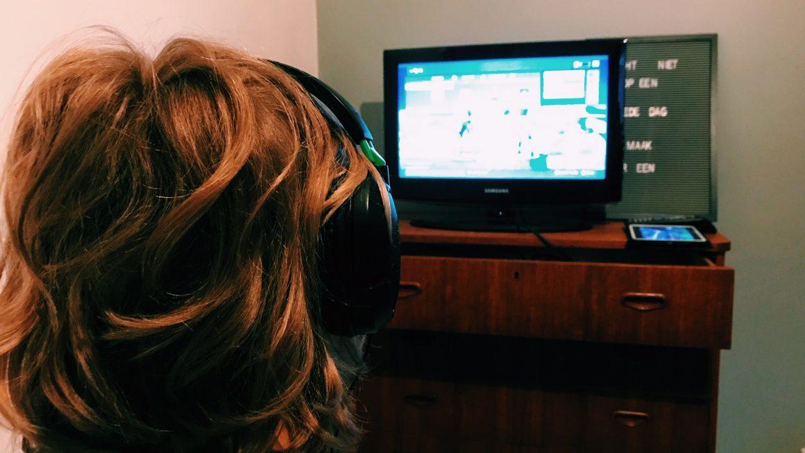 De strijd om schermtijd. Leven tussen 2 (virtuele) werelden.